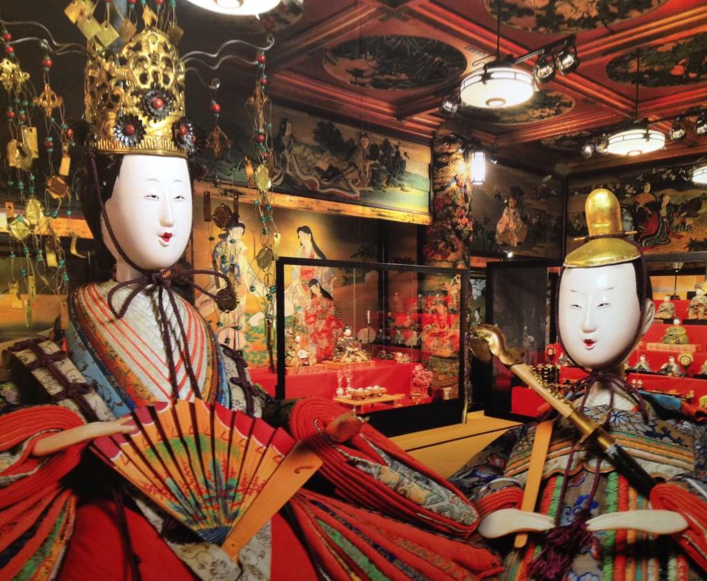 Hina Matsuri-Dekoration in einem der Banketträume des Meguro Gajoen