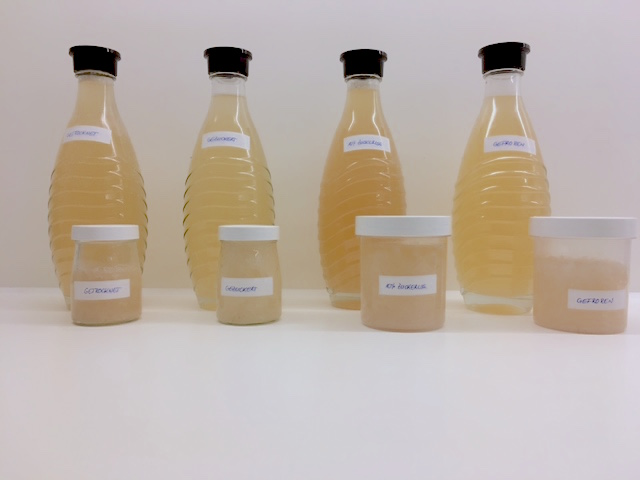 Resulting water kefir after storage. Difference in taste and color